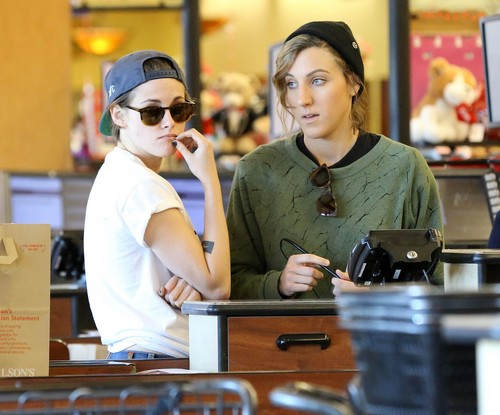 Are Kristen Stewart and Alicia Cargile Moving In Together? (NEW PHOTOS)