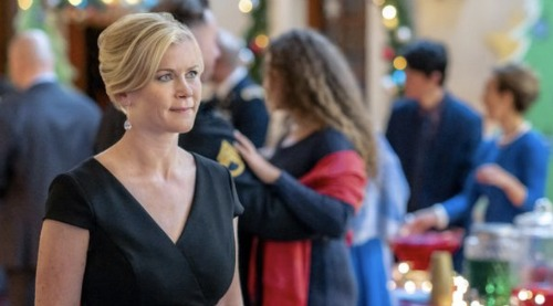 Hallmark Channel News: Alison Sweeney and Lucas Bryant Star In 'Time For You To Come Home For Christmas'