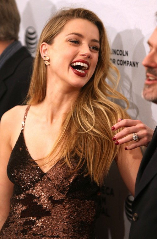 Amber Heard Spotted Drunk In NYC Without Johnny Depp - Report