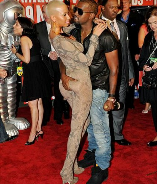 Kanye West Sticks Up For Kim Kardashian in Amber Rose Feud With '30 Showers' Remark