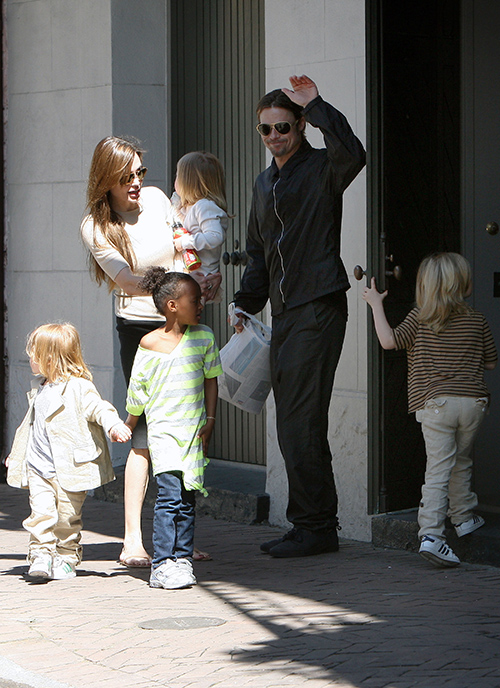 Angelina Jolie's Brad Pitt Divorce Smear Campaign Destroys His Chances At Winning Oscar - Completely Ruins Him?
