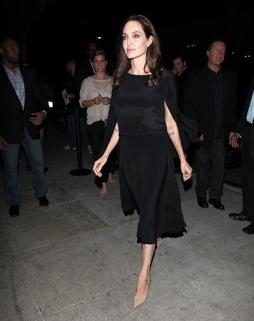 Angelina Jolie Heartbroken 'Unbroken' Snubbed at Golden Globe Awards 2015: Hurt Film Deemed Unworthy Of Nomination!