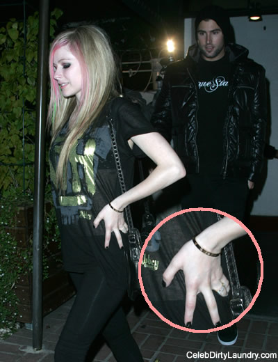 avril-brody-engaged