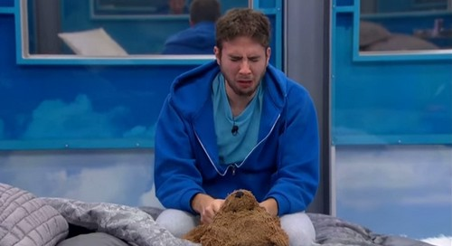 Big Brother 17 Spoilers: Vanessa Wins POV, John Eviction Planned - HOH Steve Cries to Mom - Liz, Steve and Vanessa Final 3?