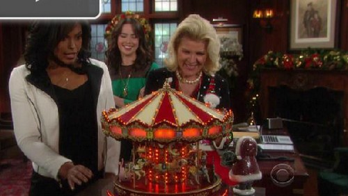 The Bold and the Beautiful Spoilers: Rick Blackmails Ivy, Fred Willard Returns, Quinn and Wyatt Fight