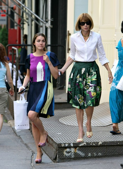 Anna Wintour shops around NYC with Bee!