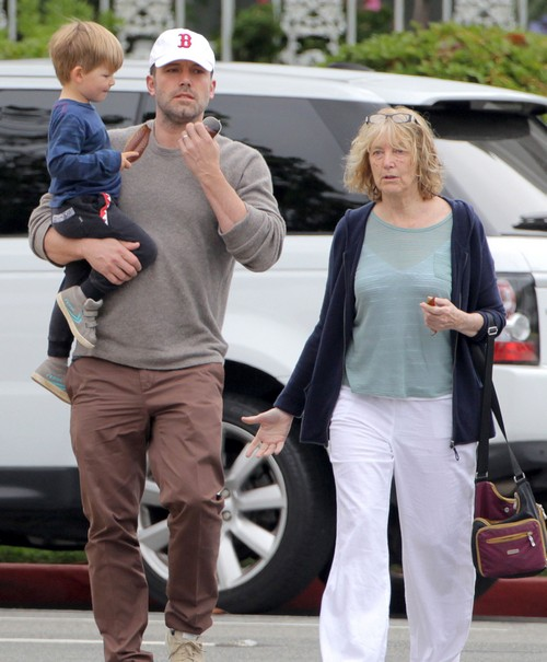 Jennifer Garner and Ben Affleck $120 Million Divorce: Has Ben Moved Out, Jennifer Wants Custody of Three Kids?