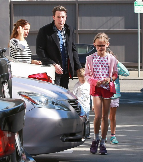 Ben Affleck and Jennifer Garner's Divorce On Hold: Couple Adopting Twin Babies – Desperate Attempt To Fix Marriage?