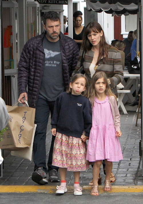 Jennifer Garner, Ben Affleck Divorce: Jennifer Seeks Full Custody Of Kids – Doesn't Trust Cheating, Gambling Husband With Them!