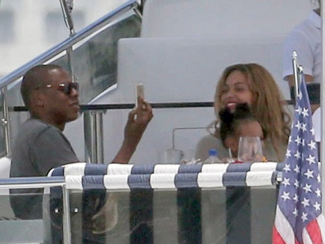 Beyonce Forbids Blue Ivy From Befriending North West - Doesn't Want Any Association With Kim Kardashian!