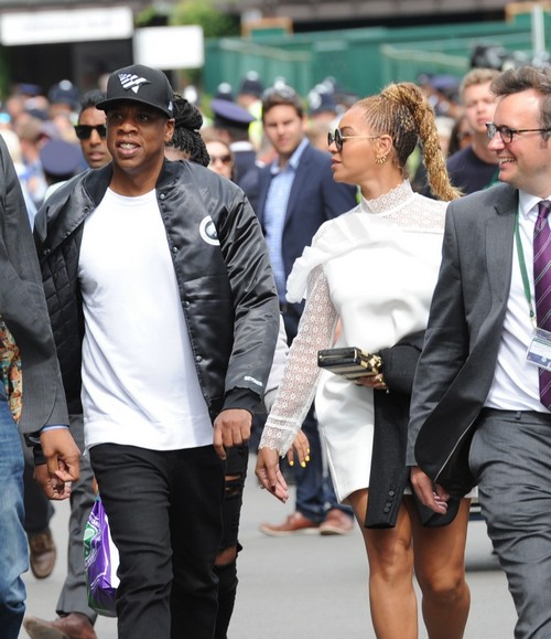 Beyonce and Jay-Z Spotted At Wimbledon Finals: Support Serena Williams, Show Fake PDA