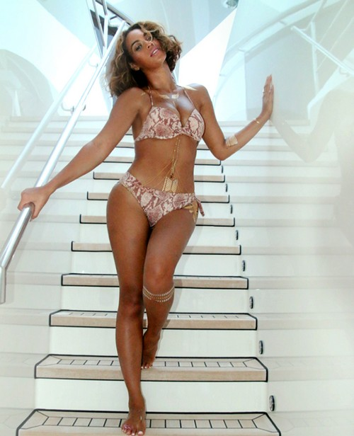 Beyonce Photoshopped Bikini Photo - Lip Sync Concert - PR Fails In Divorce and Pretend Pregnancy