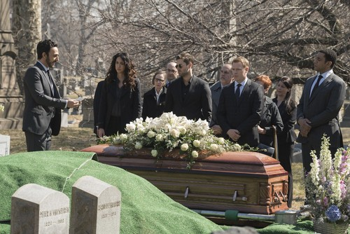 The Blacklist Spoilers Season 3 Episode 20: Elizabeth Keen's Funeral – Megan Boone's Character Not Dead, Who Is In The Coffin?