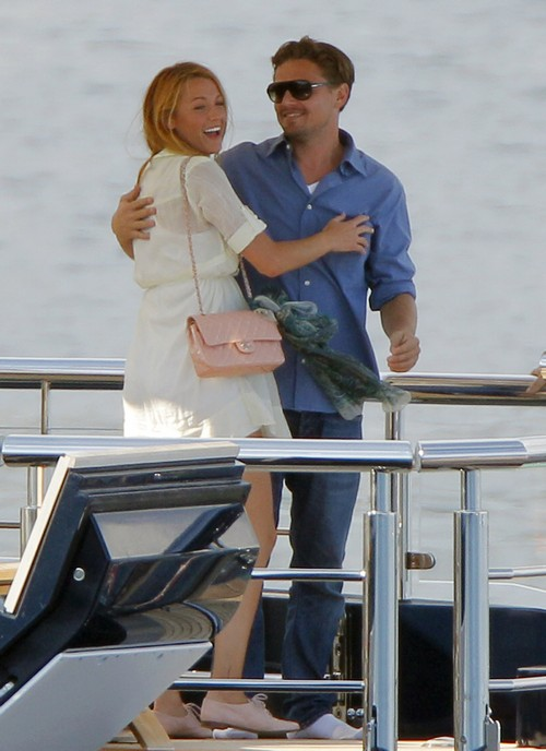 Blake Lively and Leonardo DiCaprio Caught Flirting: Ryan Reynolds Suspicious Of Ex-Boyfriend, Will She Cheat?