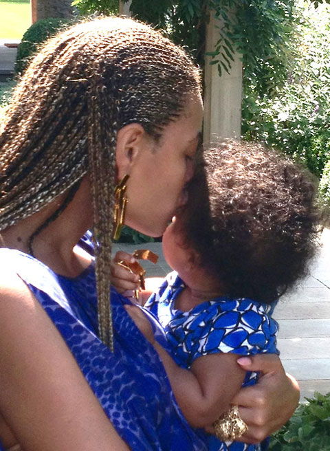 See Beyonce's Teaser Photo Of Blue Ivy Carter – Thanksgiving From The Diva