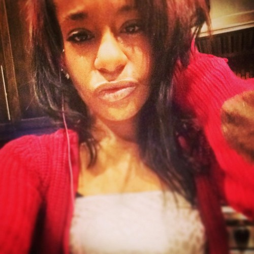 Bobbi Kristina Brown Death Photo Shopped Around by Family - Last Picture of Whitney Houston's Daughter Alive For Sale?