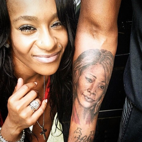 Bobbi Kristina Brown Facial Injuries, Blood Stains Point To Criminal Violence by Nick Gordon - Will He Be Charged With Murder?