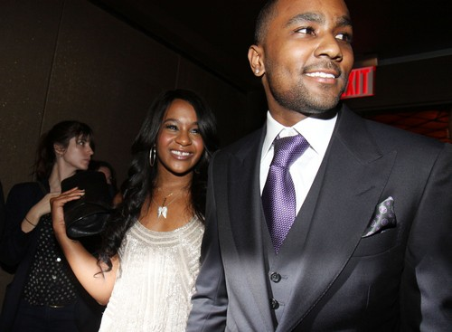 Was Bobbi Kristina Brown Beaten by Nick Gordon: Chest, Face and Mouth Injuries - Possible Defensive Wounds on Hands?