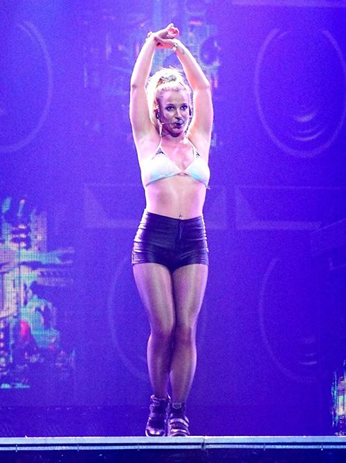 Britney Spears, Jennifer Lopez Go To War Over Las Vegas Residency Gigs: Divas Talk Trash, Duke It Out Over Who's Bigger Star!