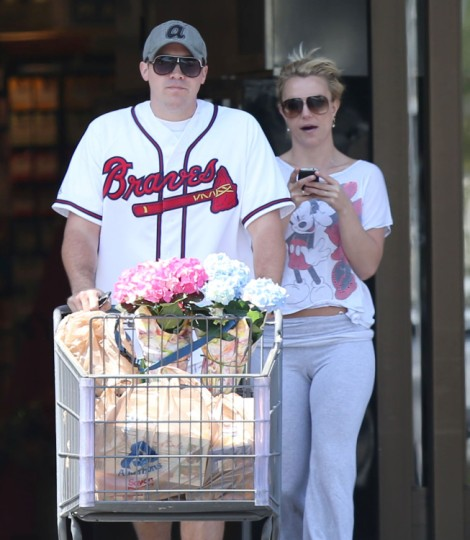 Britney Spears Warns Justin Bieber Not To End Up Like Her! 0719