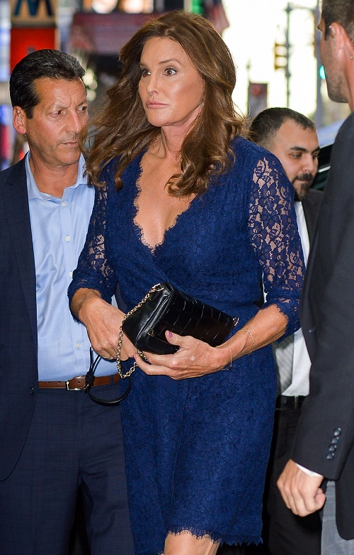 Caitlyn Jenner Faces 1-Year Sentence For Vehicular Manslaughter Charges, Heads To Court: Going To Male or Female Prison?