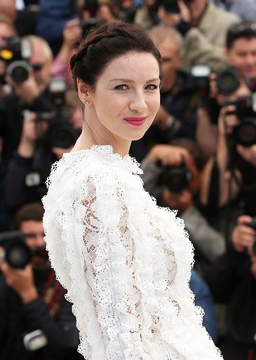 Sam Heughan Dishes On 'Outlander' Season 3, Admits He Feels Sorry For Female Co-Stars And Their Swan Nipple Dresses!