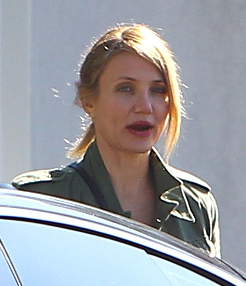 Cameron Diaz Pregnant - Hiding Pregnancy With Benji Madden and Avoiding Alcohol