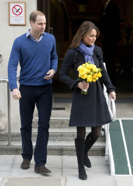 Kate Middleton's Baby Due Much Later Than Everyone Thinks, Says Mom Carole Middleton 0526