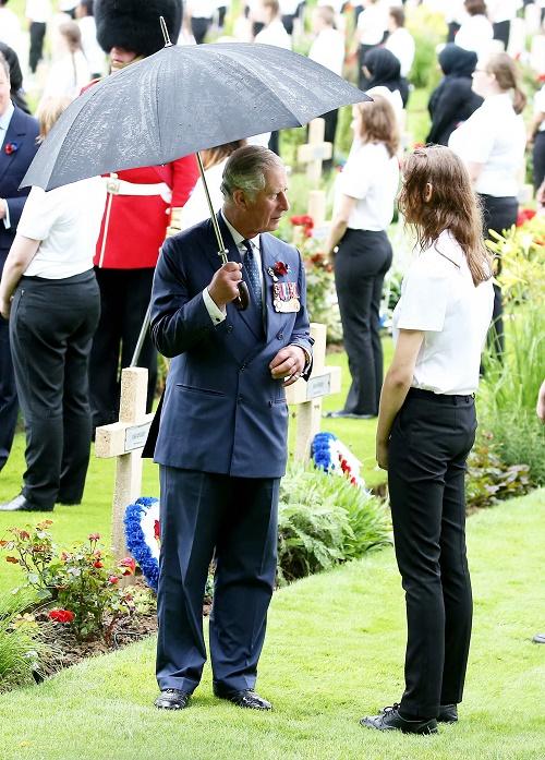 Queen Elizabeth Concerned With Prince Charles' Neurotic Germaphobic Behavior