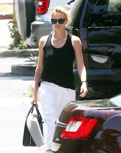Charlize Theron, Sean Penn Breakup: Engagement Called Off By Theron - Suddenly Fell Out Of Love Or Cheating To Blame?