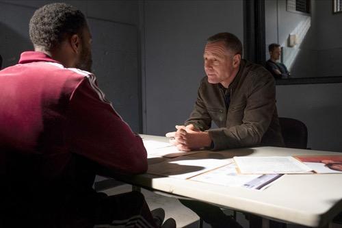 "Chicago PD Recap 11/14/18: Season 6 Episode 8 ""Black and Blue"""