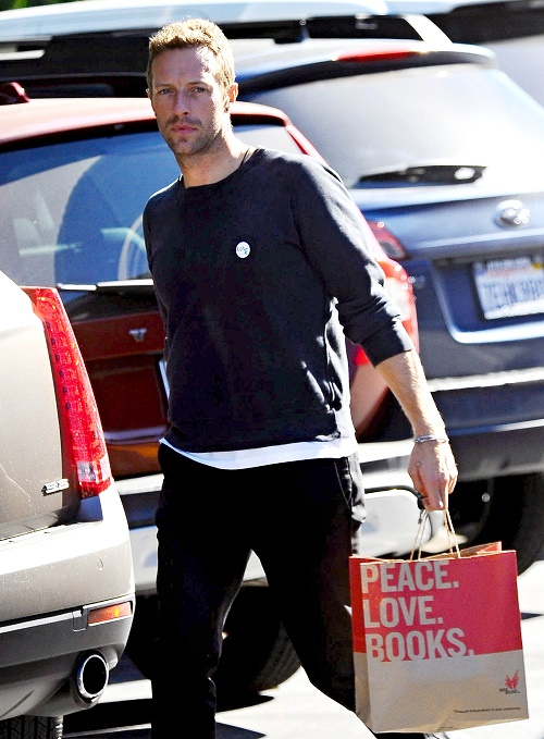 Chris Martin Still Bedding Gwyneth Paltrow And Jennifer Lawrence - Jealous of JLaw and Liam Hemsworth?
