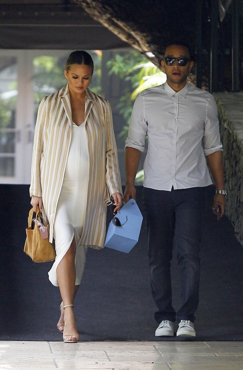 52000762 Pregnant Chrissy Teigen and her husband John Legend go out to lunch at the Hotel Bel Air in Beverly Hills on March 20, 2016. Chrissy wore vertical stripes to downplay her baby bump. FameFlynet, Inc - Beverly Hills, CA, USA - +1 (310) 505-9876