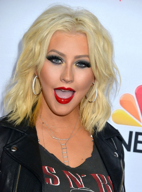 Christina aguilera so fucking hot