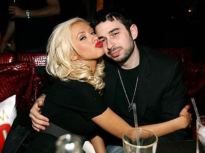 Jordan Bratman's Lesbian Ultimatum To Christina Aguilera