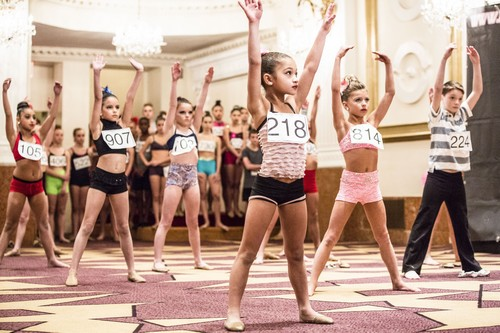 "Dance Moms Recap 8/12/14: Season 4 Episode 23 ""3 Soloists, One Star"""