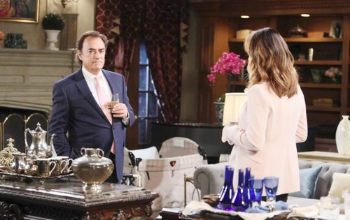 Days of Our Lives Spoilers: Wednesday, August 23 - Eric Writes a Love Letter - Drunk Lucas Alarms Abigail and Jennifer