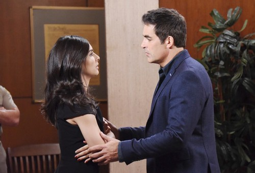 Days of Our Lives Spoilers: Wednesday, May 9 – Vivian Pulls a Gun on Kate – JJ and Jennifer's Shocker – Lani and Eli Grow Closer