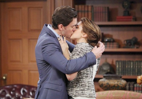 'Days of Our Lives' Spoilers: JJ Learns Eve Behind Drugs Set-Up – Marlena Kidnapped – Abigail and Chad's Passion