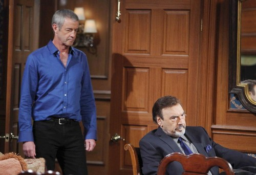 Clyde introduces himself to Stefano - and comes armed with a hidden agenda.