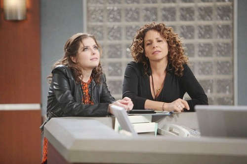 'Days of Our Lives' Spoilers: Plan Goes Wrong as Eve Drugs Jen's Drink - Stakes High as Theresa Schemes - Hope Shocked by Daniel