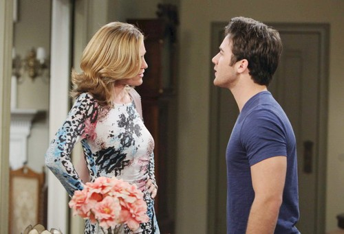 'Days of Our Lives' Spoilers: Serena Murdered, Eric Discovers Body – Eve Rats Jennifer and JJ to Drug Tip Line
