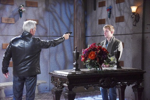 Days of Our Lives Spoilers: Week of February 5 - John and Will's Faceoff – Steve Stops Breathing – Eli's Baby Dilemma