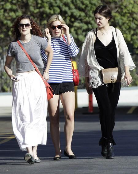 Demi Moore's Daughters Choose Ashton Kutcher Over Her! 0717