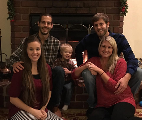 Jill Duggar's Husband Derick Dillard Treated For Mystery Illness: Fans' Worst Fears Confirmed, Derick Got Sick In El Salvador?