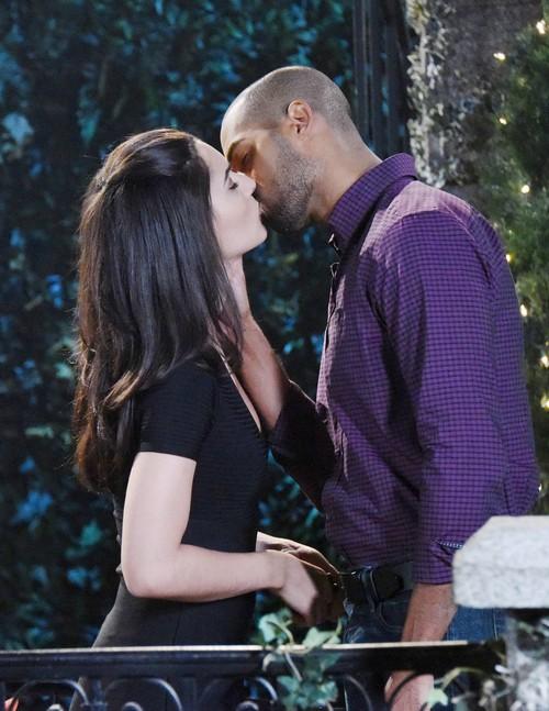 Gabi and Eli share a kiss.