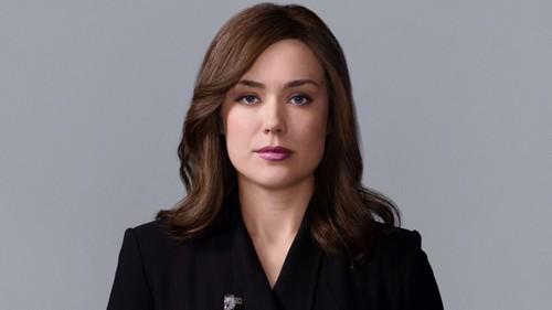 The Blacklist Season 3 Finale Review: Elizabeth Keen Alive, Kaplan Faked Death – Alexander Kirk Is Liz's Father