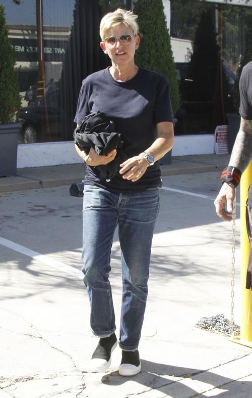 Ellen DeGeneres Hides Break-Up And Divorce Rumors From Portia de Rossi – Wants World To Think Their Marriage Is Okay