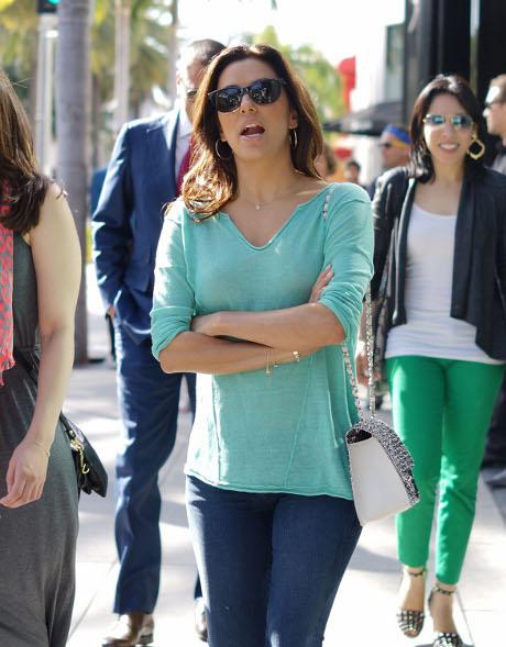 Eva Longoria Never Wears Underwear: Plans Wardrobe Malfunctions for the Attention!