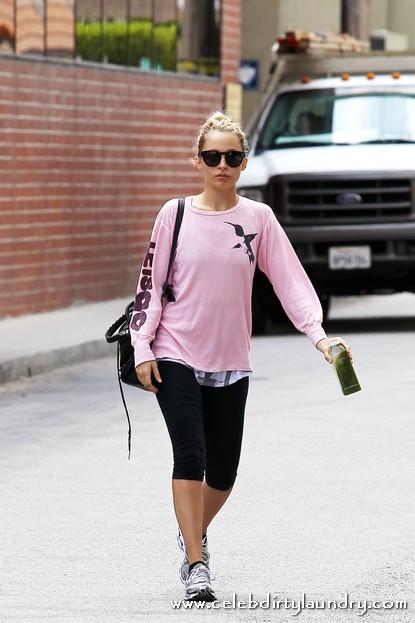 Nicole Richie Departs a Gym in Studio City Los Angeles Today - Photos